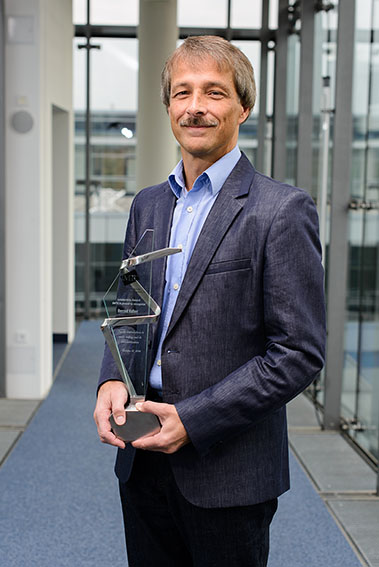 Bernd Edler is delighted by the IMTC's recognition. ©Fraunhofer IIS/Valentin Schilling