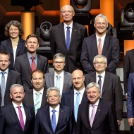 The winners of the Fraunhofer prizes 2015 together with the President of the Fraunhofer-Gesellschaft, Professor Reimund Neugebauer, and the Federal President, Joachim Gauck | ©Torsten Silz/Fraunhofer