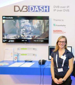 Fraunhofer Mitarbeiterin Nicole Winkler am DVB DASH Stand © Peter Siebert
